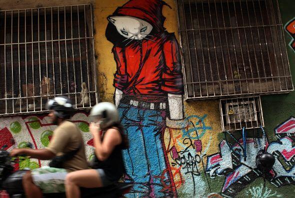 Recientemente se realizó una muestra de graffitis en los barrios de Sao...