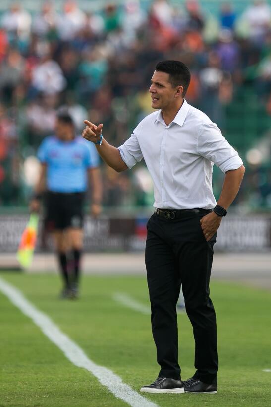 Xolos gana y Jaguares se hunde en el descenso Diego Ramirez Auxiliar Tec...