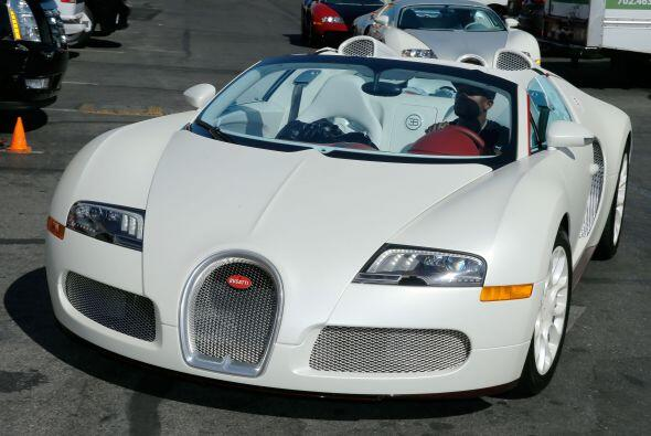 Bugatti Veyron Grand Sport    Motor W16 4x Turbos 8.0 Lts.  Potencia...