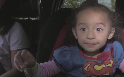Advierten sobre peligro en sillas de autos para niños