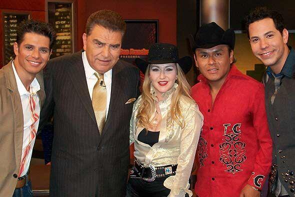 Alicia Villarreal y Christian Chávez también visitaron al Don.