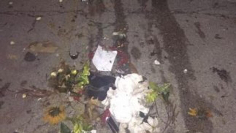 Imagen del memorial de Michael Brown destruido, difundida en redes socia...