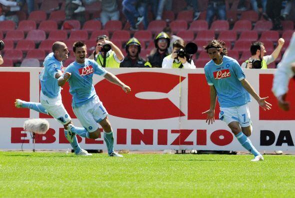 Pero no contaban con el hombre de la temporada en la Serie A, Cavani, qu...
