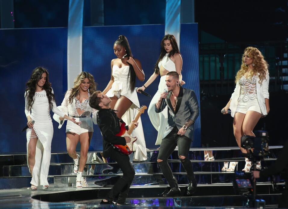 ¡Sabor colombiano! Maluma y Fifht Harmony volvieron locas a sus fans con...