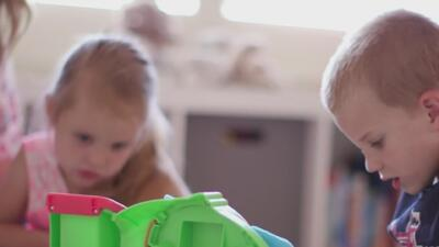 Un niño de 4 años salva a su hermana de morir ahogada en la lavadora de su casa