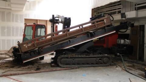 Maquinaria usada en la construcción de un narcotúnel descu...