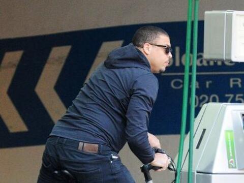 Ronaldo mostró sus dotes deportivas de nuevo.Mira aquí los...