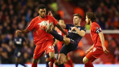 Liverpool y West Ham empataron sin goles