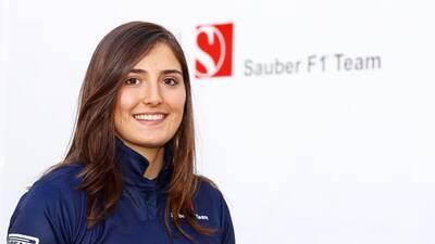 La colombiana Tatiana Calderón se convierte en la primera mujer latina en llegar a la F1