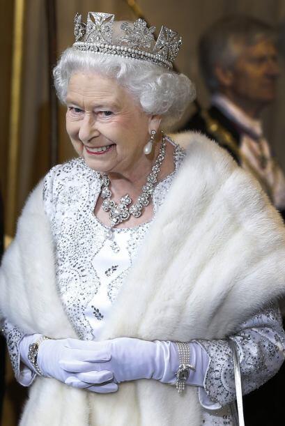 La reina Isabel II a sus 87 años sigue siendo la cabeza del Reino Unido,...