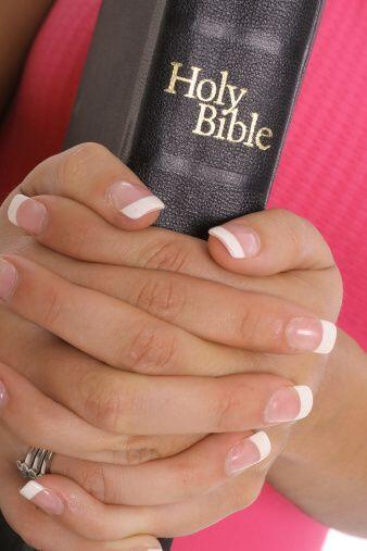 """""""Orar y leer la palabra, tenemos que estar agradecidos porque Dios cuida..."""
