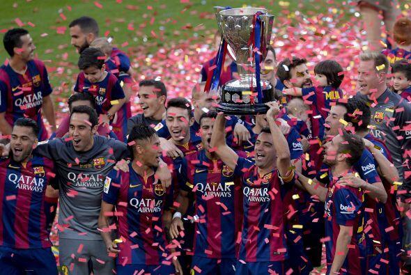 El FC Barcelona se proclamó campeón de la Liga española terminando con 9...