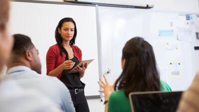 La mayoría de estudiantes hispanos en EEUU nunca tendrá un maestro latino (y esto perjudica su rendimiento)