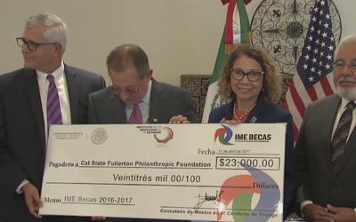El consulado de México en el condado Orange ofrece becas a 23 estudiante...