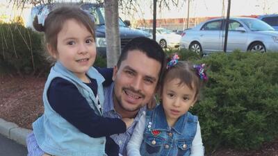 Abogados piden la liberación inmediata de inmigrante ecuatoriano que fue detenido mientras entregaba una pizza