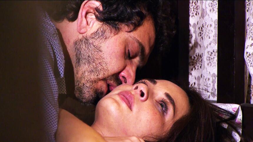 Adriana Louvier tuvo mucho amor en Yo No Creo En Los Hombres  BE3D1FD4F0...