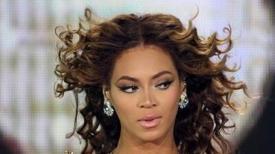 Beyoncé sufrió un pequeño accidente con su cabello. La melena de la diva...