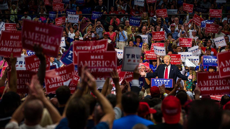 El entonces candidato presidencial Donald Trump en Ohio, durante la camp...