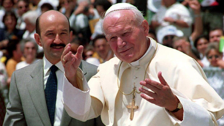 Durante el mandato de Salinas de Gortari, México y el Vaticano restablec...