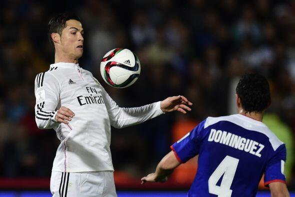 Cristiano Ronaldo tuvo un partido discreto, en el cual probó al arco de...
