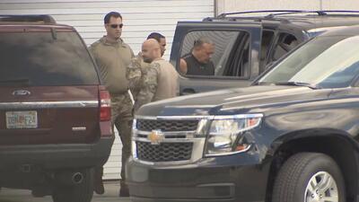 Sospechoso arrestado en conexión con paquetes explosivos será presentado este lunes en corte