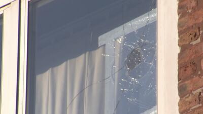 Residentes de un vecindario de Chicago fueron víctimas de ataques vandálicos contra sus viviendas