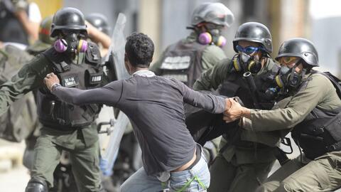 A la represión en la calle se suma el abuso en los allanamientos...