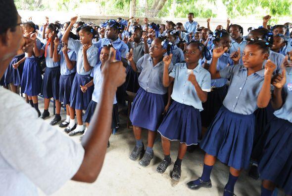 El organismo prometió apoyar a 2 mil establecimientos escolares y a más...