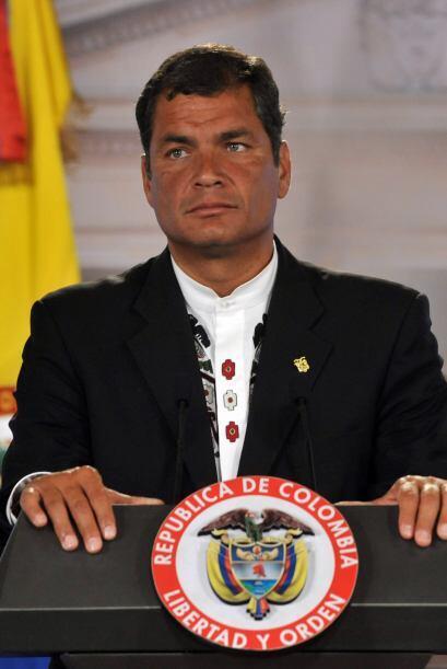 Correa disputó la presidencia de Ecuador con el derechista Alvaro Noboa.