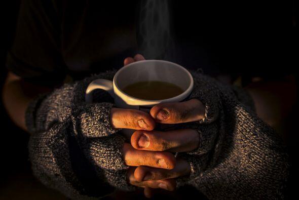 Y justamente eso es lo que propone la iniciativa 'café pendiente', en in...