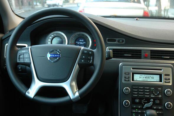 El Volvo S80 es el buque insignia de la marca sueca e implementa todo el...