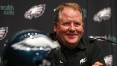 Chip Kelly hará su debut en la NFL con los Philadelphia Eagles.