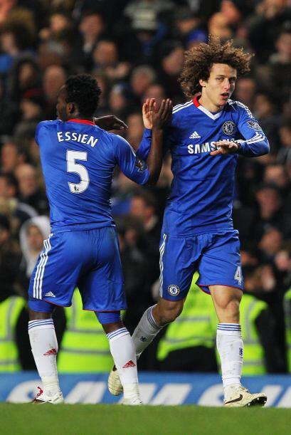 Pero en el complemento, el brasileño David Luiz se incorporó al frente d...