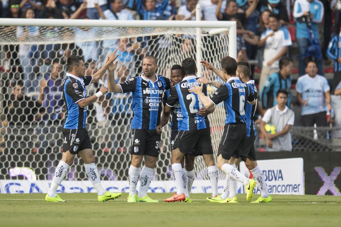 Querétaro derrota a Pachuca dando una gran exhibición Festejo 1-0 Yerson...