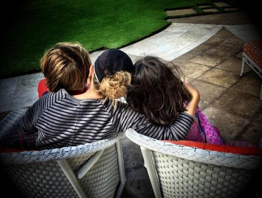 Los mejores abrazos de los famosos