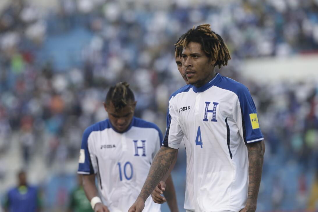 Panamá venció a Honduras en el duelo de técnicos colombianos AP_56205398...