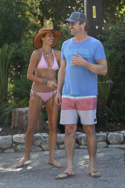 ¡Parece que Hollywood se está quedando sin solteros!