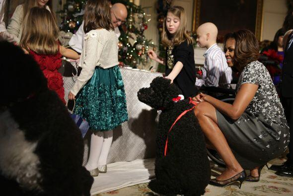 Tanto Sunny como Bo, las dos mascotas de los Obama, estuvieron con Miche...
