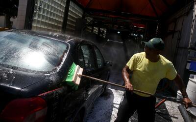 La industria de lavado de coches es una de las que más registra v...