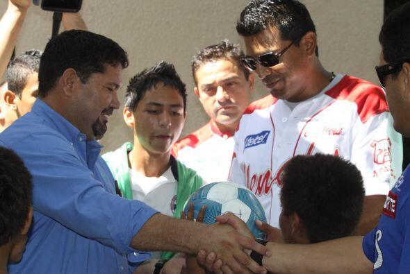 Los jugadores de Yaquis, Marco Antonio Carrillo, Leobardo Arauz y Said G...