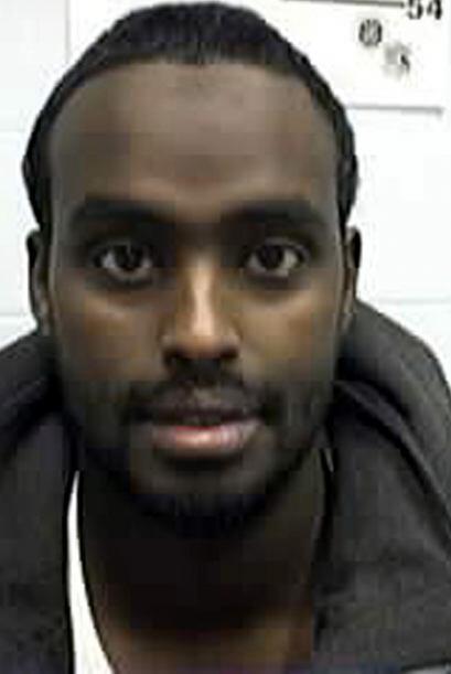 Noviembre del 2003   Nuradin M. Abdi fue arrestado y acusado por planear...