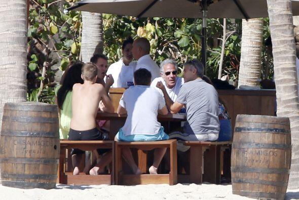 George y Amal se encuentran en Cabo San Lucas, México para pasar Navidad.
