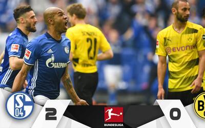 Naldo festeja el segundo gol con su afición ante el Dortmund.