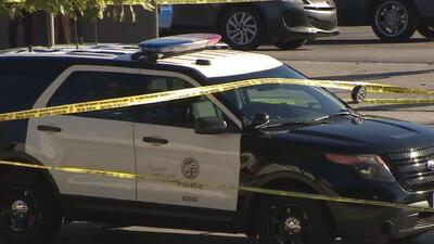 Un hombre se dispara mortalmente frente al Departamento de Policía de Los Ángeles