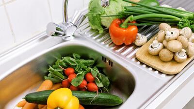 Cómo lavar correctamente frutas y verduras