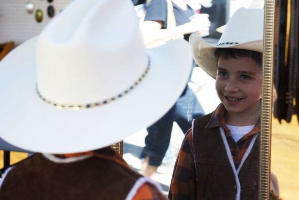 El jaripeo, para mucho hispanos, significa fiesta. Pero también implica...