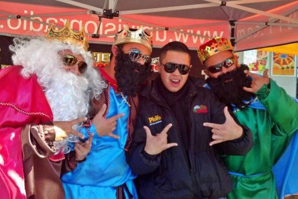 """'El Chilaquil' aprovecho para dársela de """"Súper Cool"""" con Los Reyes Magos."""