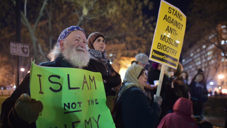Manifestantes contra el prejuicio con los musulmanes