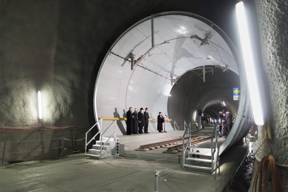 Inauguran el túnel más largo y profundo del mundo tunel5.jpg