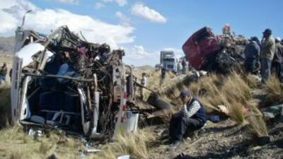 Los accidentes en las carreteras bolivianas causan cada año, en promedio...